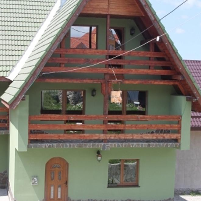 Casa Aluna din Ranca