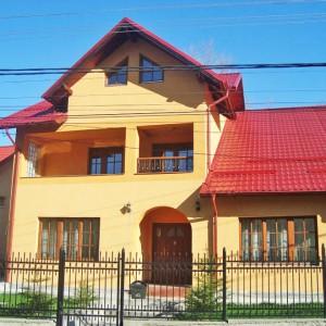 Casa Emilian din Poiana Tapului
