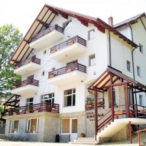 Vila Carina din Raraul Rece