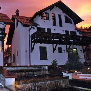 Complex turistic Cochet din Poiana Tapului
