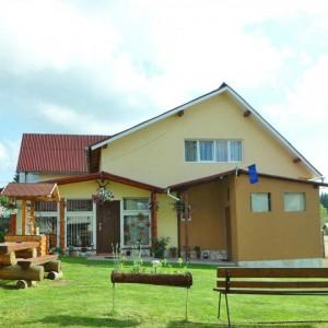 Cabana Emadina din Belis