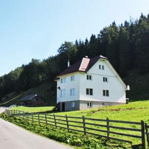 Casa Alba din Fundata